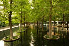 Dan Kiley - Fountain Place, Dallas, TX, photograph © Alan Ward, 2013: