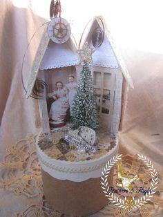 Merry & Bright Altered Altoid Tin by Jill @ Feathers & Flight Blog