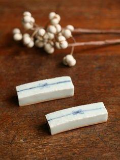 ceramic chopstick rest(by Maya Inamura)
