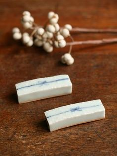 ceramic chopstick rest(by Maya Inamura)