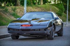 replica of Kitt from tv series Knight Rider. My Dream Car, Dream Cars, Kitt Knight Rider, 80 Tv Shows, Dragon Knight, Pontiac Firebird, Retro Cars, Sport Cars, Cool Cars