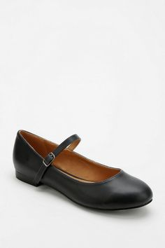 Cooperative Alice Mary Jane - Urban Outfitters