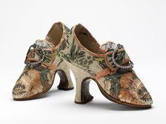 V&A @V_and_A 2日2日前  12 Days of #vamShoes: 'Pompadour' shoes, France 1750s…