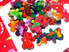 Gingerbread men made of melted crayons