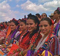 Oaxaca Guelaguetza: 2013 Folkloric Festival