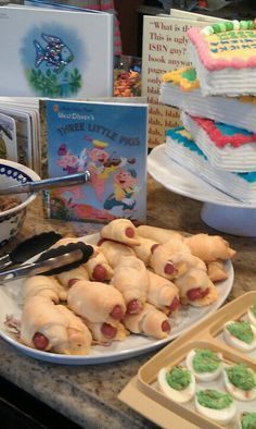 Book theme party with Three Little Pigs - pig in the blankets, Green Eggs & Ham - green deviled eggs & more. Baby Shower Desserts, Baby Shower Brunch, Baby Shower Party Favors, Baby Shower Parties, Baby Shower Themes, Baby Boy Shower, Baby Shower Decorations, Baby Shower Invitations, Shower Ideas