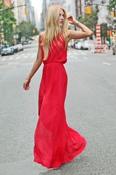 Love the shade of this red. Looks like this dress is comfortable and free flowing.  Love it :)