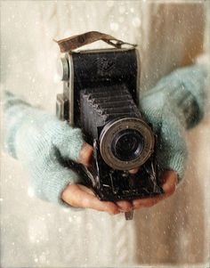 Vintage camera #piel #shoppiel #inspiration