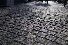 石畳が残る大人の街、神楽坂の散歩コースを紹介します。地図は最後に。       ...