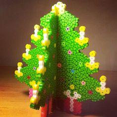 Christmas tree hama beads by maryadiana