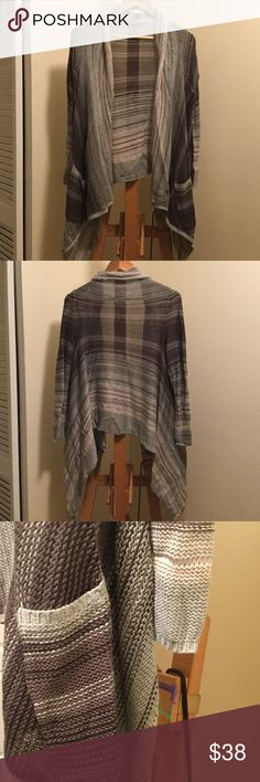 Billabong Cardigan size M  Super soft and stylish cardigan by Billabong. With pockets!!! (Who does not love pockets? ). New condition. Size M. Bought at Nordstrom. Billabong Sweaters Cardigans