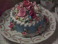 Pretty Birthday Cakes, Pretty Cakes, Cute Cakes, Beautiful Cakes, Amazing Cakes, Sexy Cakes, Fake Cake, Cute Desserts, Cute Food