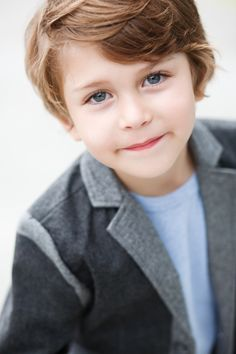So here is little gentleman . Cute Kids Pics, Young Cute Boys, Cute Baby Pictures, Baby Boy Hairstyles, Cute Hairstyles For Kids, Fashion Kids, Handsome Kids, Beauty Of Boys, Cute Babies Photography