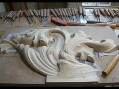 ▶ WOODCARVING | Heraldic Woodcarving | Family Coat of Arms carved in Wood | How-to-carve - YouTube
