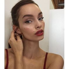 "11.9 mil Me gusta, 87 comentarios - Luma Grothe (@thelumagrothe) en Instagram: ""At work with @reformation beauty by @mimsymakeup and hair by @julieferrante """