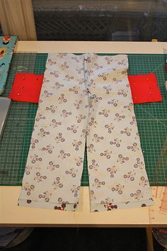 Tutorial on making pants with pockets for kids - includes how to make pattern from existing pair of pants