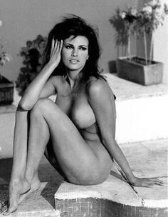 nudes t-bone Raquel welch