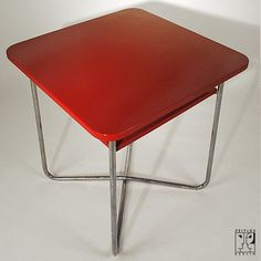 Tubular steel table in the style of the Bauhaus-Modernism by Rudolf Vichr - 1200 €