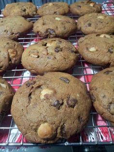 Chocolate Chip Macadamia Nuts Cookies