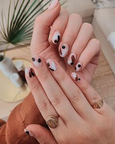 I just need to take every nail picture for me 😍 . Pottery nails using All Dolly BIAB, Jet Black,… Nail Design Stiletto, Nail Design Glitter, Minimalist Nails, Cute Nails, Pretty Nails, Hair And Nails, My Nails, Long Nails, Nail Art Designs