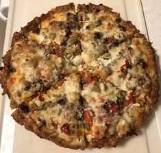 Crustless Pizza (aka Sausage Crusted Pizza) - ode to Lou Malnati's Hamburger Pizza, Meat Pizza, Meat Lovers Pizza, Low Carb Pizza, Meat Appetizers, Appetizer Recipes, Pizza Recipes, Beef Recipes, Recipes