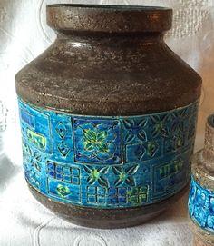 Bitossi vase. Aldo Londi. Mid century Italian pottery.
