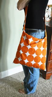 Living with Punks: Tutorial: Pillow Cover to Messenger Bag!   I like this but add a flap over the top add pocket on the inside  ,pocket inside purse, little pocket,  maybe outside pocket on back of purse and make straps shorter.