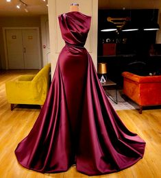 Image in Prom dresses collection by Ruth on We Heart It Stunning Dresses, Beautiful Gowns, Elegant Dresses, Pretty Dresses, Gala Dresses, Couture Dresses, Fashion Dresses, Award Show Dresses, Looks Rihanna