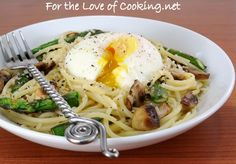 ... » Spaghetti with Asparagus, Mushrooms, Parmesan, and a Poached Egg