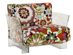 design meubels:Chair waar de top-ontwerper voor een bloemenprint heeft gekozen