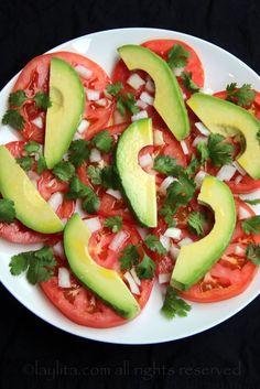 Simple avocado and tomato salad – Quick Salads – Laylita's Recipes