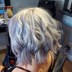 La-Loveee this #silver #textured #bob I had the pleasure of doing on my awesome client Sara! With the use of #olaplex we took her to a platinum blonde then toned her twice to acheive this look. #DoriDoesHair #longbeach #hairsalon #sagesalonandspa #sagesalon #igdaily #instagood #redkenshades #textured #silverhair #grannyhair #grayhair #hairspo #hairspiration