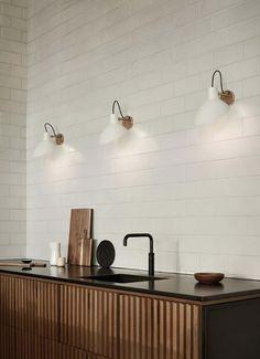 Interior Desing, Interior Design Kitchen, Kitchen Decor, Kitchen Wall Design, Minimal Kitchen Design, Zen Kitchen, Kitchen Ideas, Loft Kitchen, Kitchen Lamps
