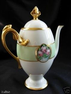 THIS AUCTION IS FOR AN AMAZING VINTAGE LIMOGES FRANCE CHOCOLATE POT. THE PIECE IS BEYOND GORGEOUS. WE WILL ADD THE PHOTO OF THE MARKINGS TOMORROW WE FORGOT TO INCLUDE IT.. THE PIECE HAS VERY HEAVY GOL