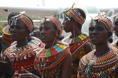 Local fashion: Beads in the ethnic jewelry of Africa Ethnic Jewelry, African Jewelry, African Accessories, African American Artwork, African Art, African Style, We Run The World, Head Jewelry, Tribal People