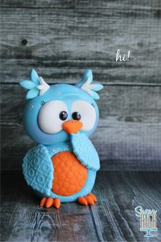 Owl Cake ( think I can use my teddy bear cake pan to make it out of. Owl Cake Toppers, Fondant Toppers, Fondant Cakes, Cupcake Cakes, Cupcakes, Fruit Cakes, Fondant Animals, Clay Animals, Crea Fimo