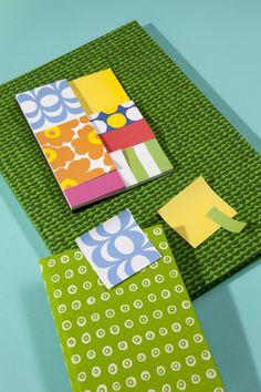 Marimekko´s Stationery Stationery Pens, Stationery Design, Textures Patterns, Print Patterns, Marimekko, Pen And Paper, Bookbinding, Pattern Books, Textile Prints