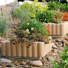 Keep your lawn from invading your flowerbeds with stylish edging! http://www.bhg.com/home-improvement/exteriors/curb-appeal/curb-appeal-on-a-dime/?socsrc=bhgpin032415giveplantersanedge&page=10