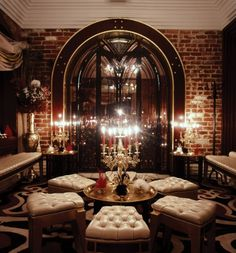 Absolutely stunning and lavish example of modern Baroque interior design at the nightclub, Baroq house in Australia. http://www.whitecliffe.com.au/en/images/projects/large/1330041527_Baroq-6a_1.jpg