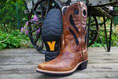 Ariat Heritage Roughstock VentTEK Cowboy Boots er klassiske cowboy boots som møter moderne teknologi. Disse støvlene har den patenterte ventTEK løsningen som sørger for god luftstrøm til føttene dine. Cowboy Boots, Clothing, Shoes, Fashion, Outfits, Moda, Zapatos, Shoes Outlet, Fashion Styles