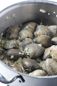 Spaghetti and Clams With Brown Butter and Garlic Breadcrumbs   POPSUGAR Food