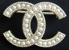 2016 Chanel Fall CC Pin Brooch Pearl Gold Classic New Authentic