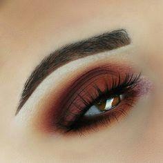 Orange/brown eye makeup