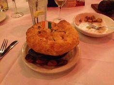 Pub Restaurant Copycat Recipes: Steak and Mushroom Pie Steak And Mushroom Pie, Steak And Mushrooms, Mushroom Gravy, Stuffed Mushrooms, Stuffed Peppers, Restaurant Recipes, Pub Recipes, Beef Pies, Puff Pastry Sheets