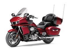 WOW! The 2018 Yamaha Star Venture is an all-new luxury-touring V-twin that blends modern and traditional styling and features.