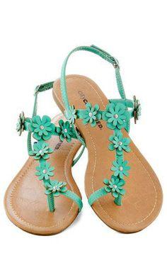 Flat Sandals With Flower Design