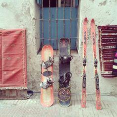 Más raro que equipo de esquí en Marruecos