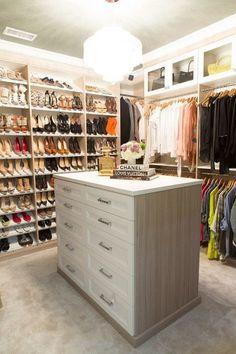Closet Envy – 1010 Park Place Wardrobe Closet, Walk In Closet, Diy Master Closet, Decorating Apps, Bath Remodel, Houzz, Dressing Room, Interior Design, Home Decor
