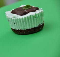 Mint Chocolate Chip Ice Cream Brownie Cupcakes