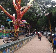 Mumbai, Sidewalk, Street View, Bombay Cat, Side Walkway, Walkway, Walkways, Pavement